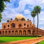 Travel India : Humayun's Tomb in Delhi