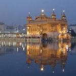 Temple d'Amritsar de loin