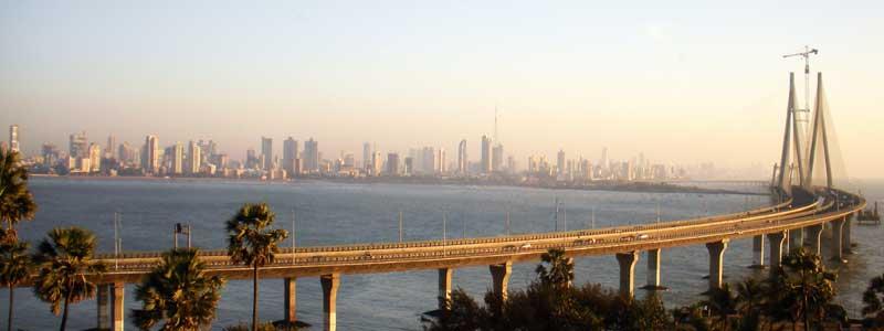 Inde : vue sur le pont de mumbai, anciennement Bombay